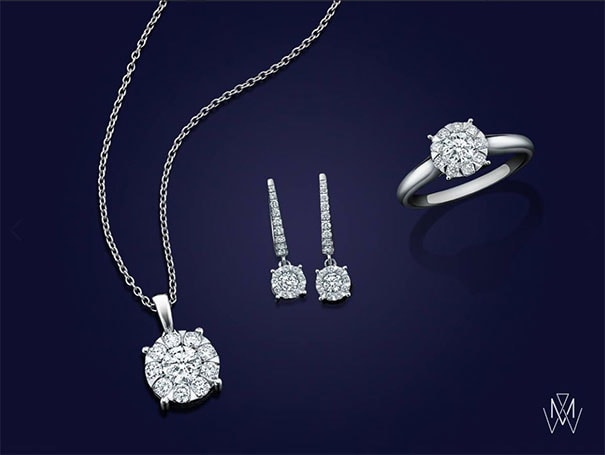 The beguiling pieces in the Masquerade Collection present an exquisite 'flower' of brilliant cut diamonds